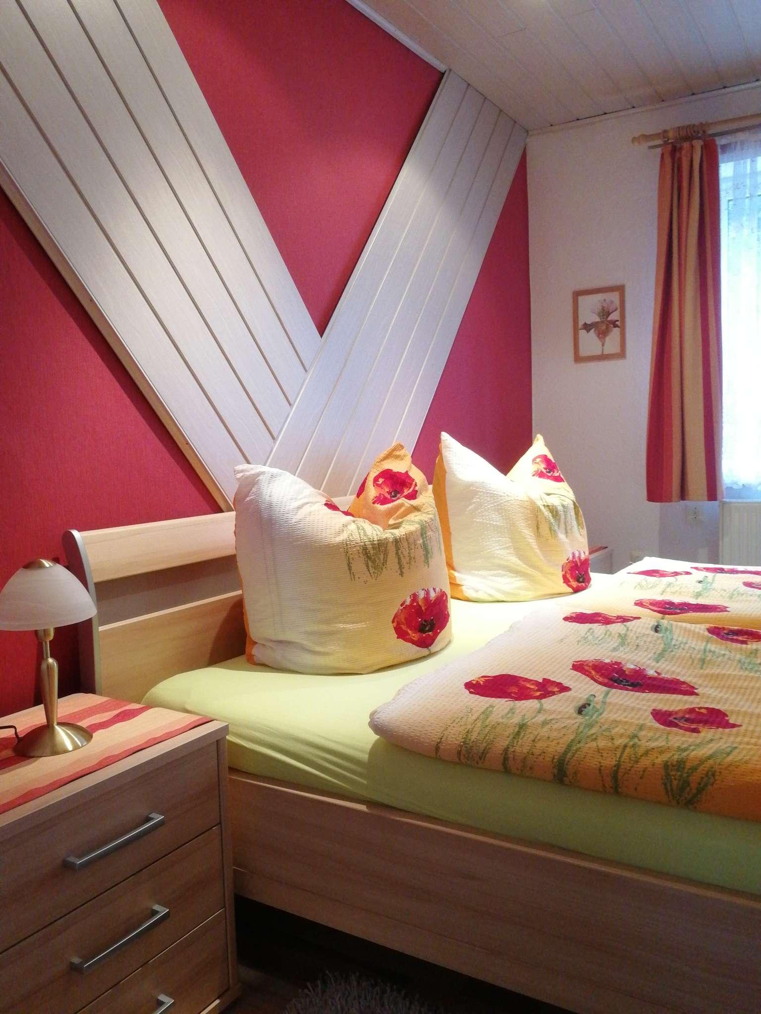 Schlafzimmer 1, mit Doppelbett