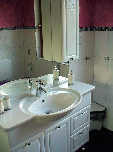 ferienwohnung petryk in weinheim baden w rttemberg walter petryk. Black Bedroom Furniture Sets. Home Design Ideas