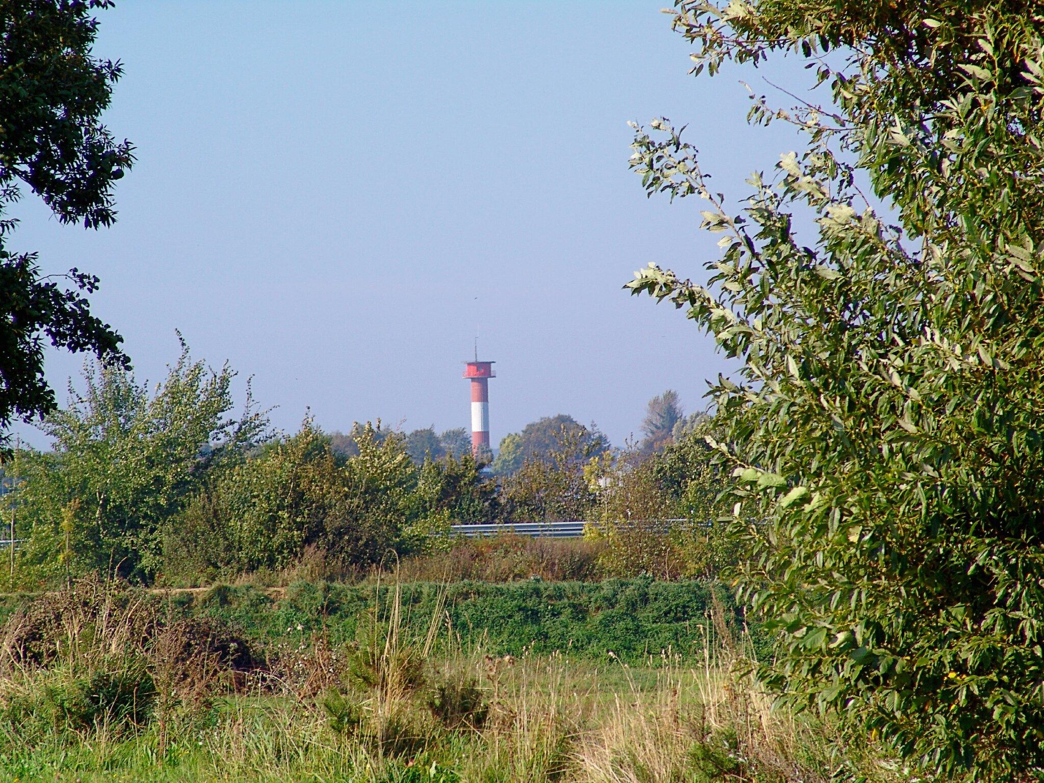 Strand Holnis