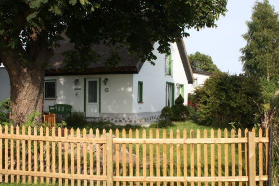 Hof Seelvitz mit Gästehaus Birlibi (re)