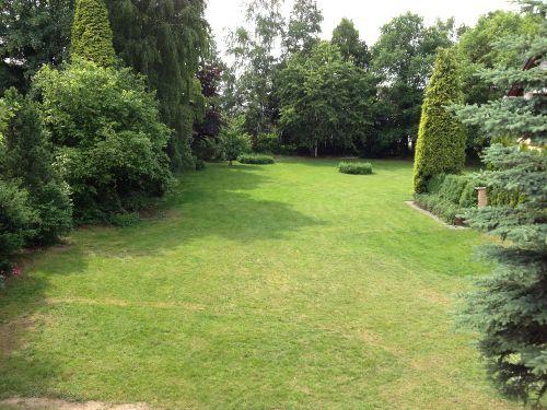 Garten zur Fewo mit Grillmöglichkeit