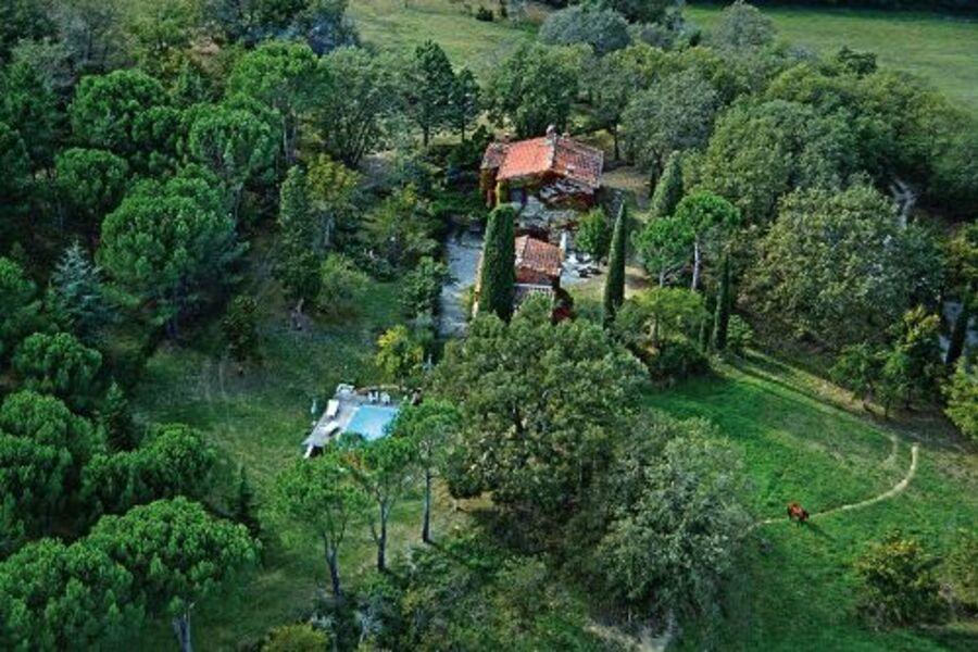Das Häuschen im Grünen mit Pool