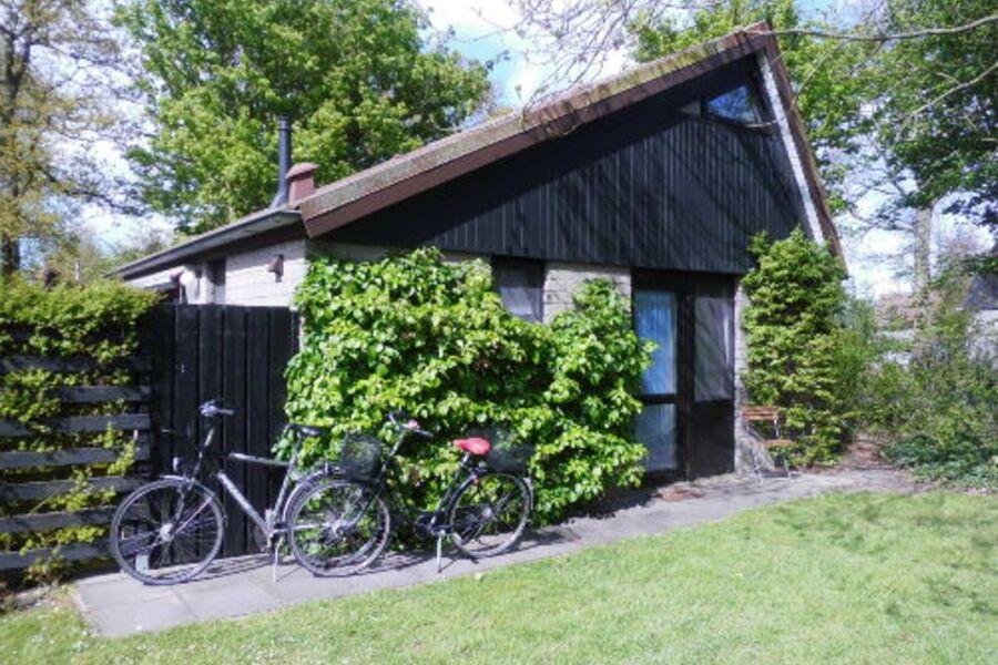 Das Haus mit den zwei Leezen (Rädern)