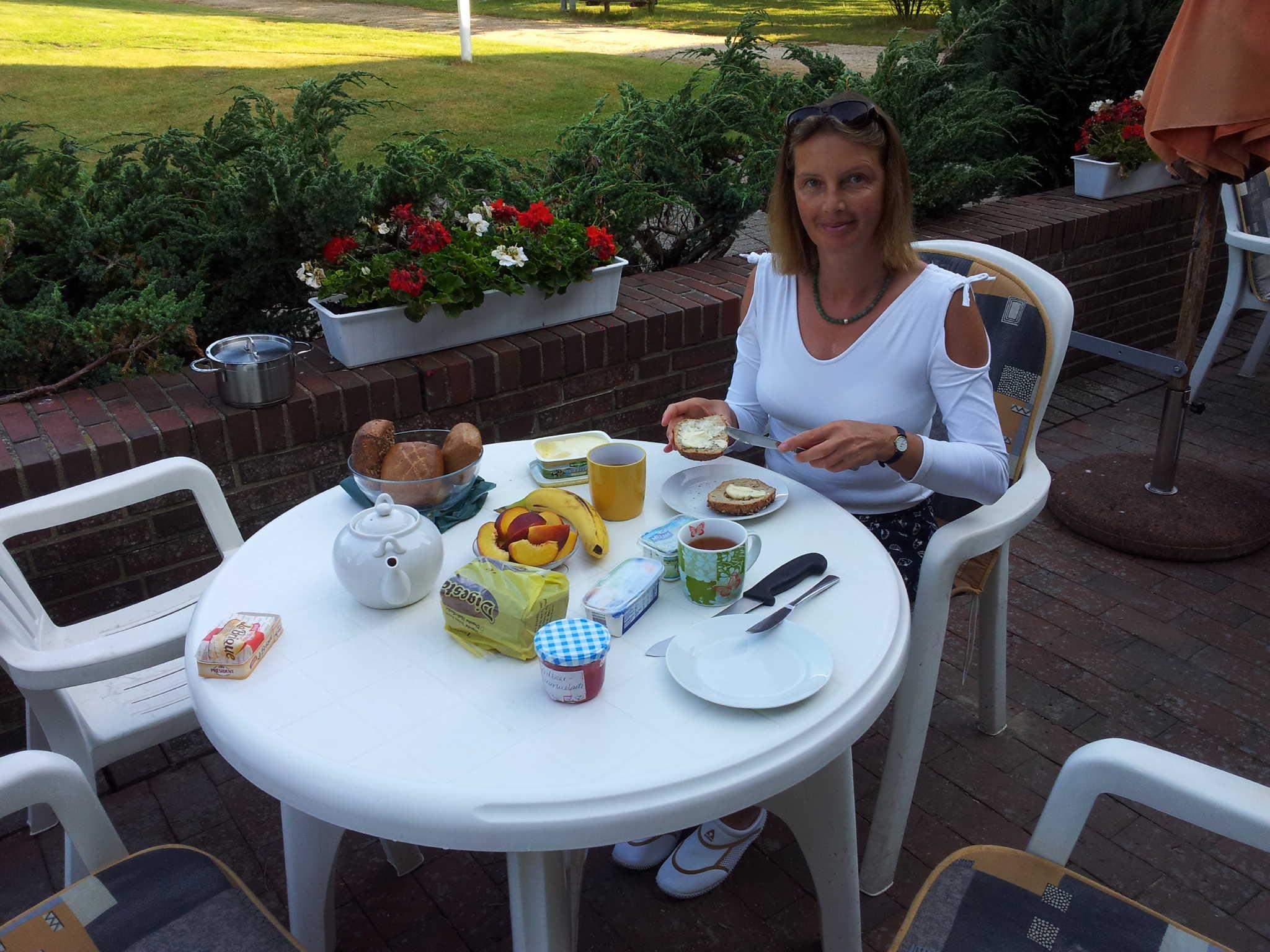 Sabine Devich-Henningsen beim Frühstück