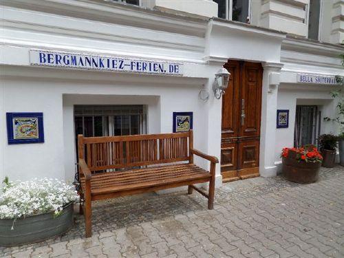 ferienwohnung bella souterrain in berlin friedrichshain kreuzberg d rthe behrends. Black Bedroom Furniture Sets. Home Design Ideas