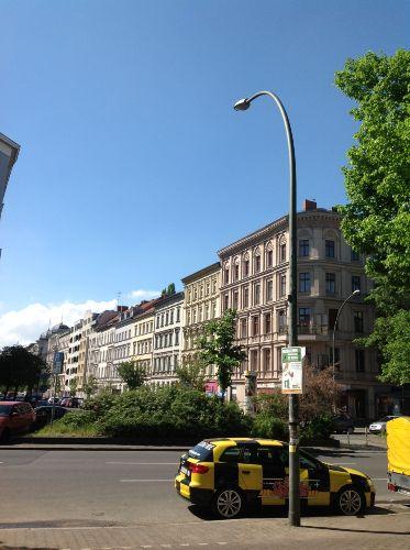 ferienwohnung bella souterrain in berlin friedrichshain. Black Bedroom Furniture Sets. Home Design Ideas