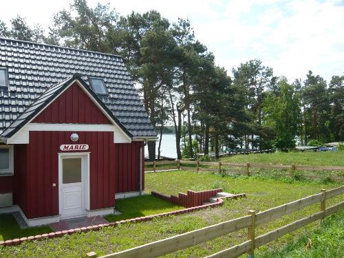ferienhaus 39 am see 39 marie in wustrow canow mecklenburg vorpommern reinhold kroll. Black Bedroom Furniture Sets. Home Design Ideas