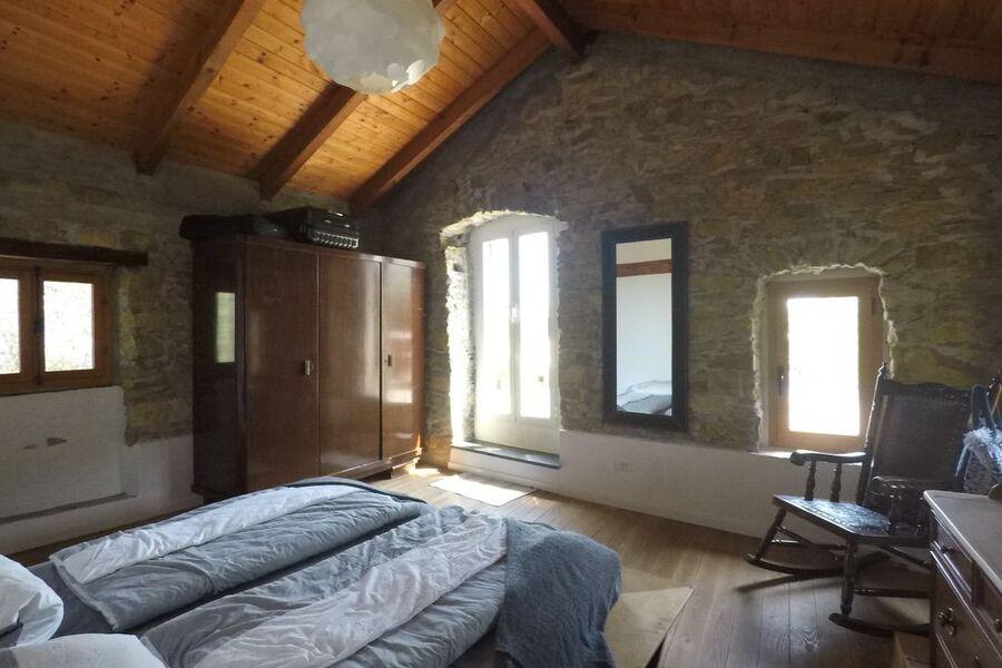 großes 2m breites Doppelbett