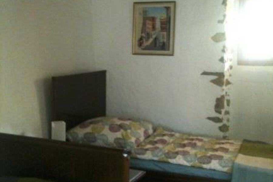 2.Schlafzimmer oben mit Einzelbetten