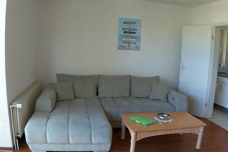 Wohnzimmer, ausfahrbare Relaxcouch