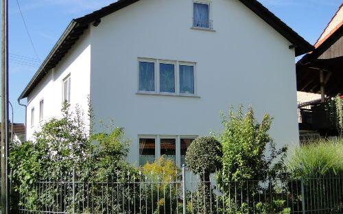 Landhaus Marga - Ferienwohnung Rosenbogen EG