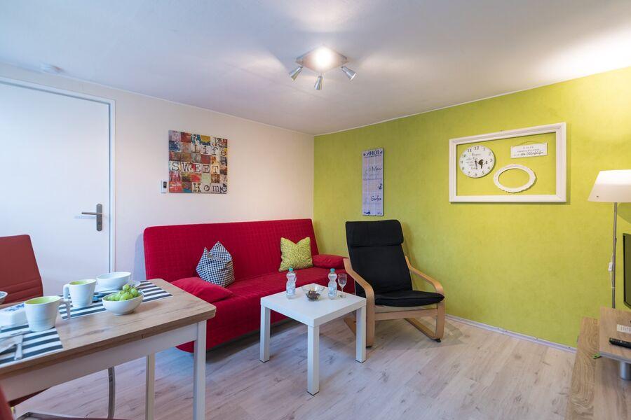 Wohnzimmercouch und Sessel