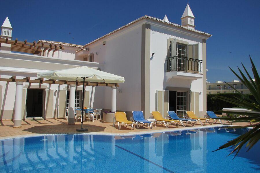 Villa Estrela Cadente mit riesen Pool