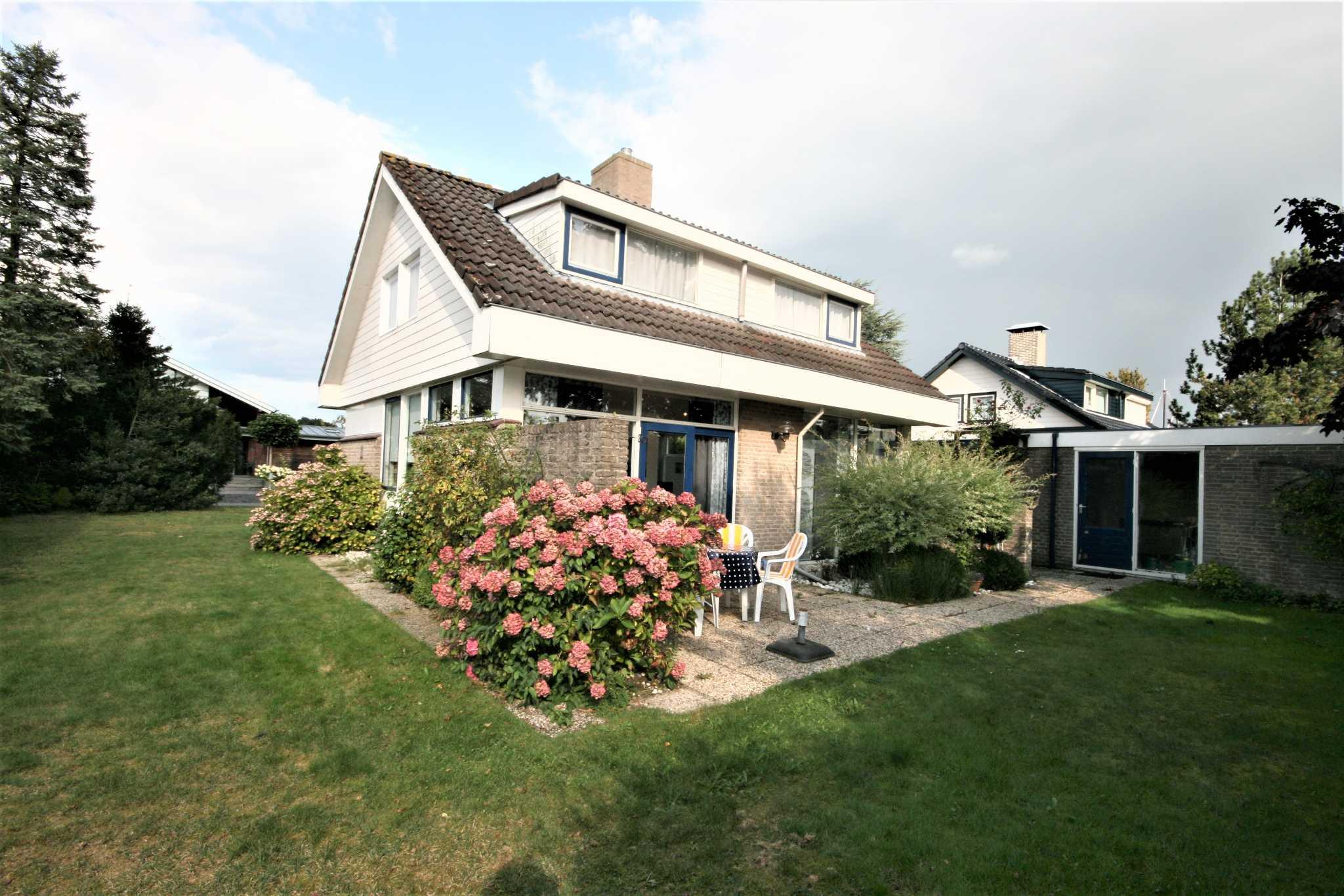 freistehendes familienhaus in lemmer friesland nina goudberg. Black Bedroom Furniture Sets. Home Design Ideas