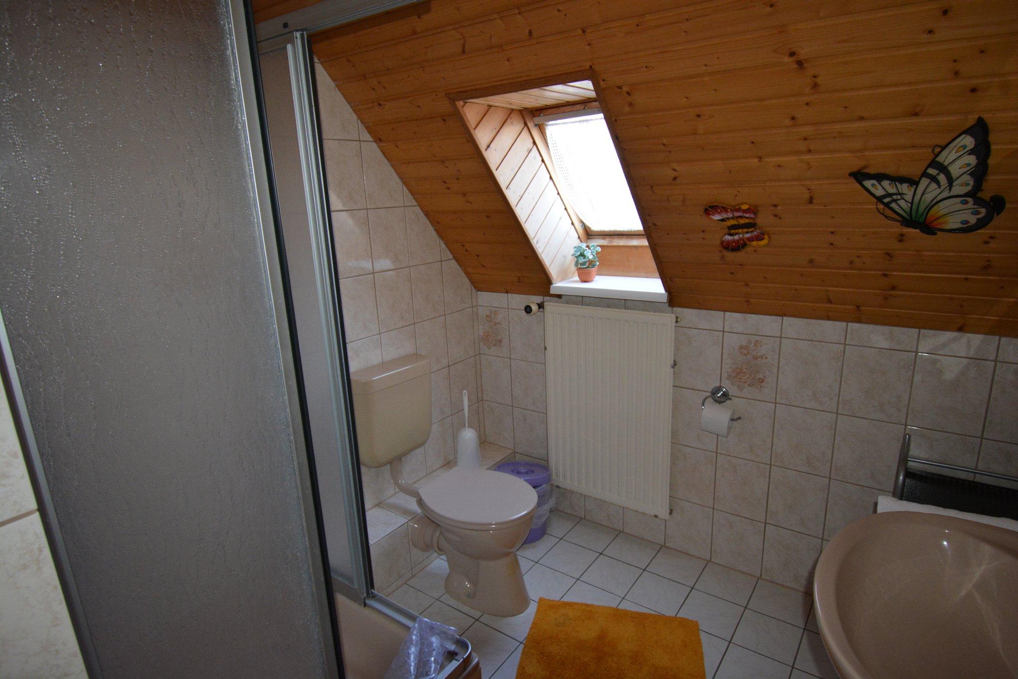 Bad zum Einzelzimmer