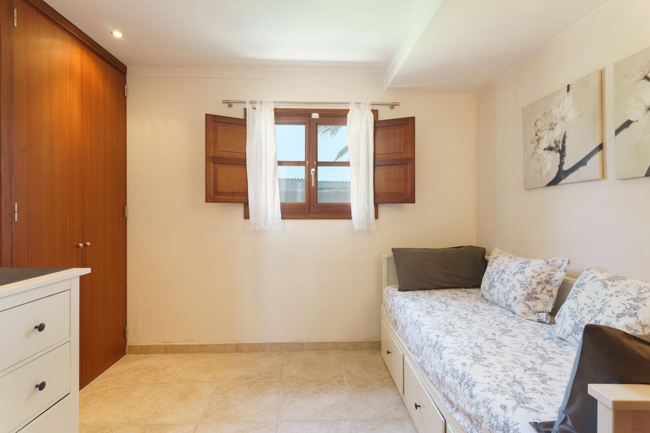 Doppel-Schlafzimmer mit Schlafcouch