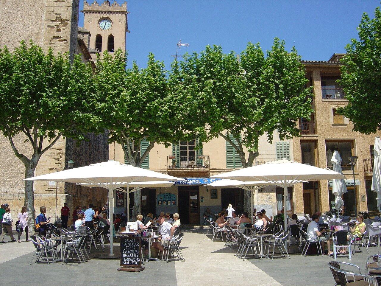 Plaça Mayor in Pollença