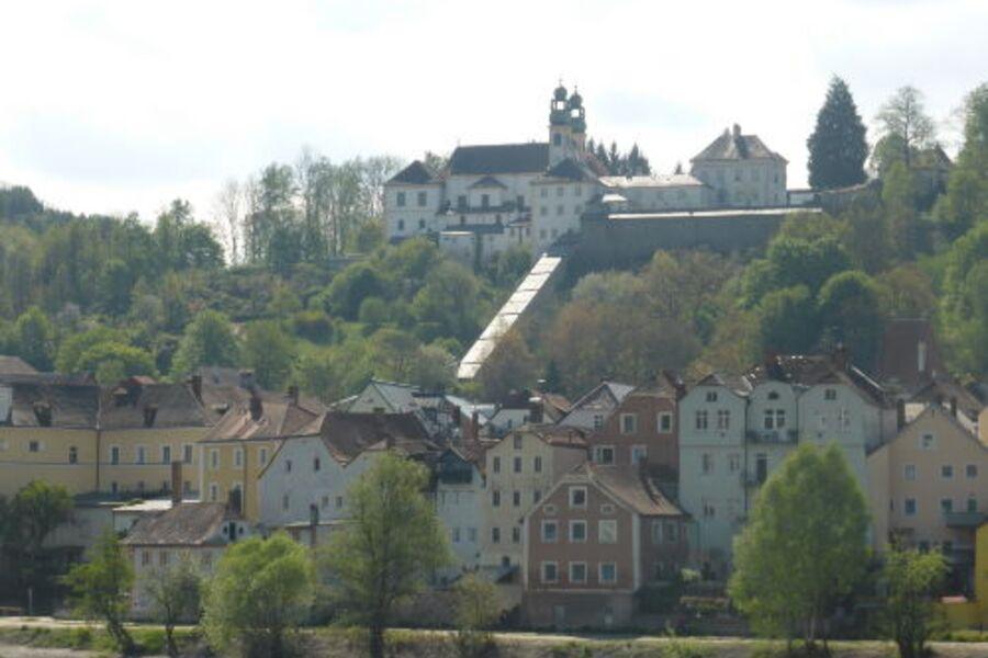Passau-Innstadt (unser Haus Bildmitte)
