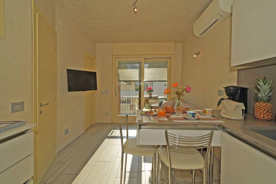 Die Küche / Wohnzimmer mit Klimaanlage