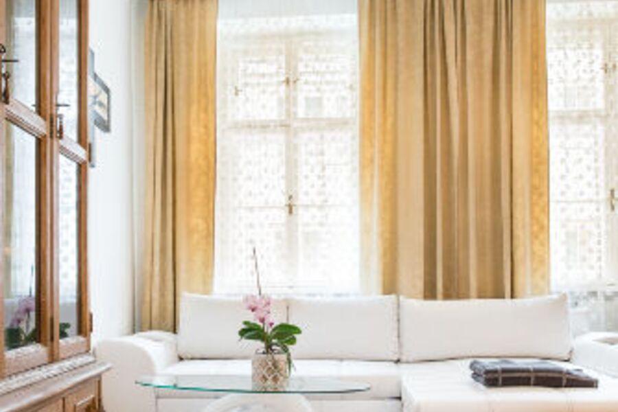 Wohnzimmer mit Alt Wiener Flair