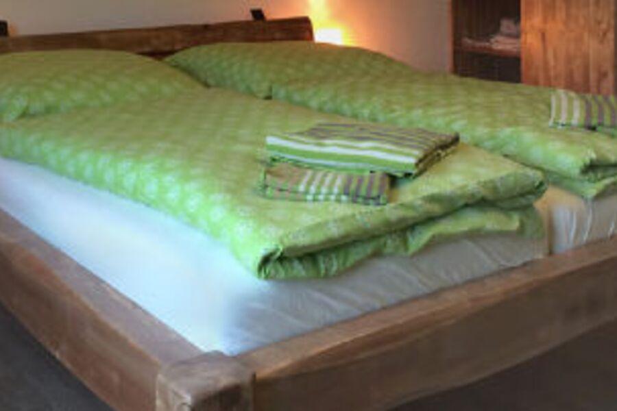 Betten aus heimischen Hölzern