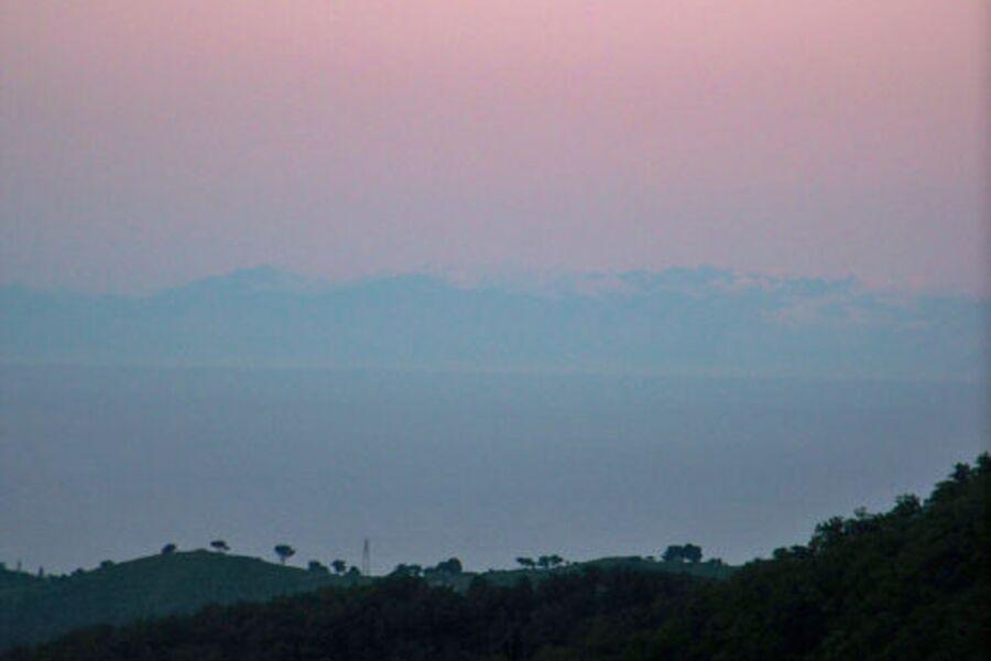 An klaren Tagen ist Korsika zu sehen