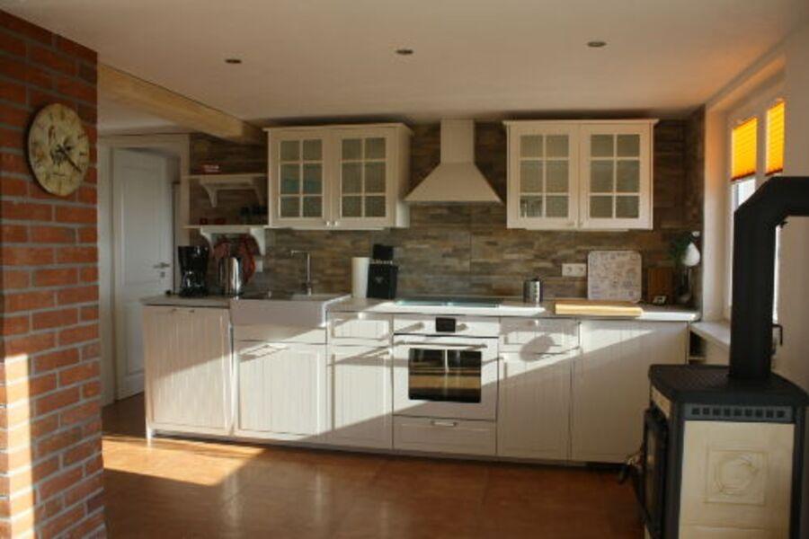 Die Küche mit Kaminofen