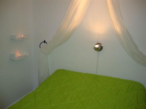 Schlafzimmer mit Doppelbett 150x200cm
