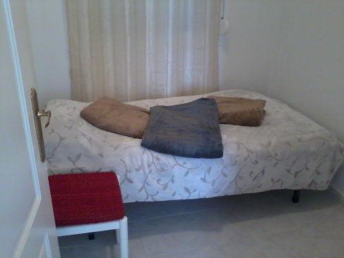 Schlafzimmer mit Bett 90x200 cm