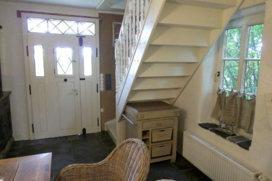 Küche mit Aufgang in obere Etage