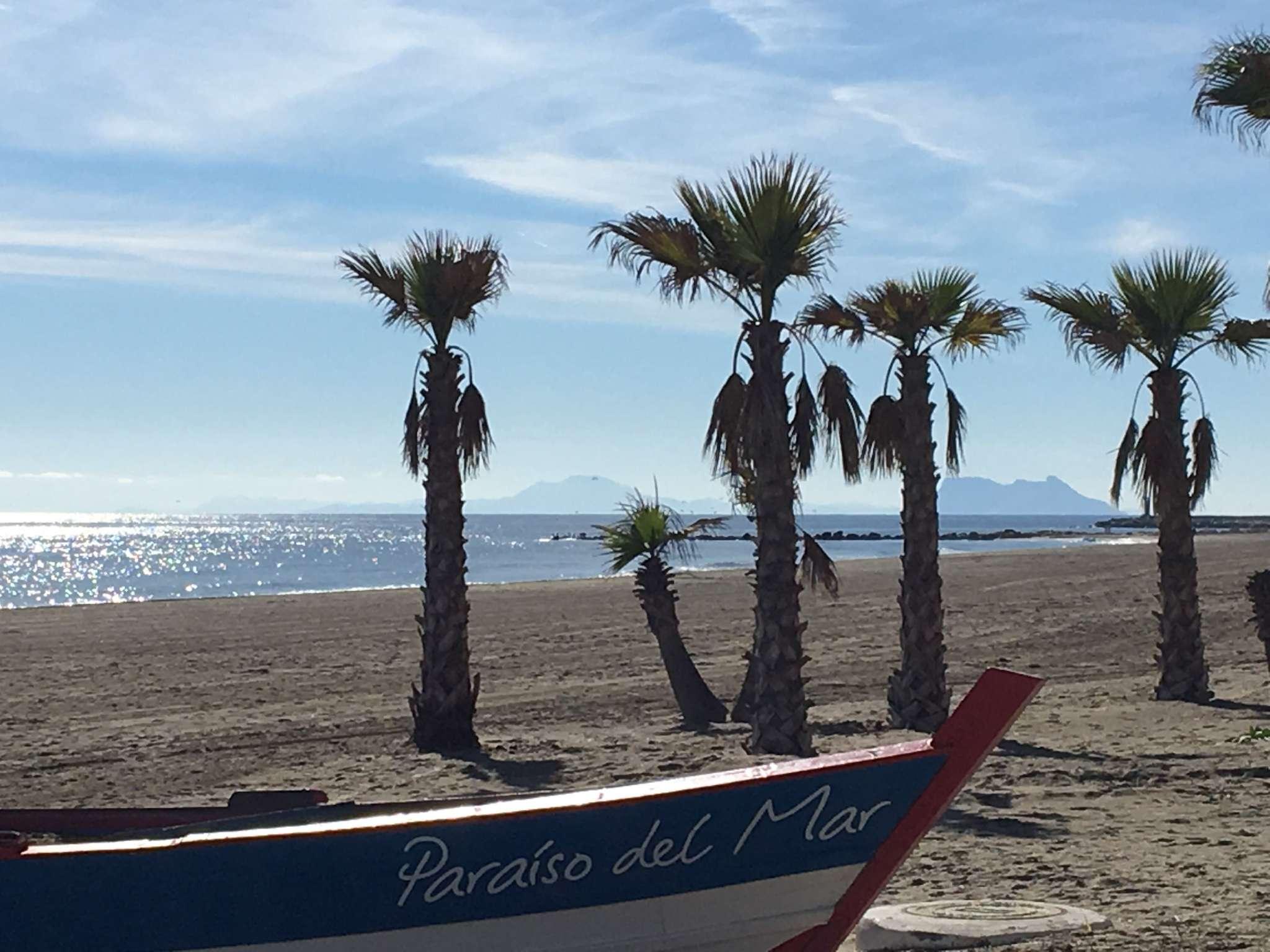 Strand - Blick auf Gibraltar und Afrika