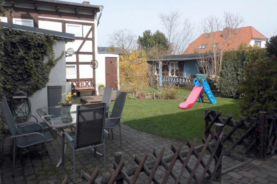 Der Garten mit Terrassen-Sitzencken