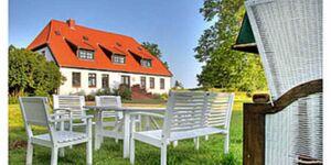 Gutshaus Ketelshagen - romantisch, ruhige Lage, Feuerstein in Putbus auf Rügen - kleines Detailbild