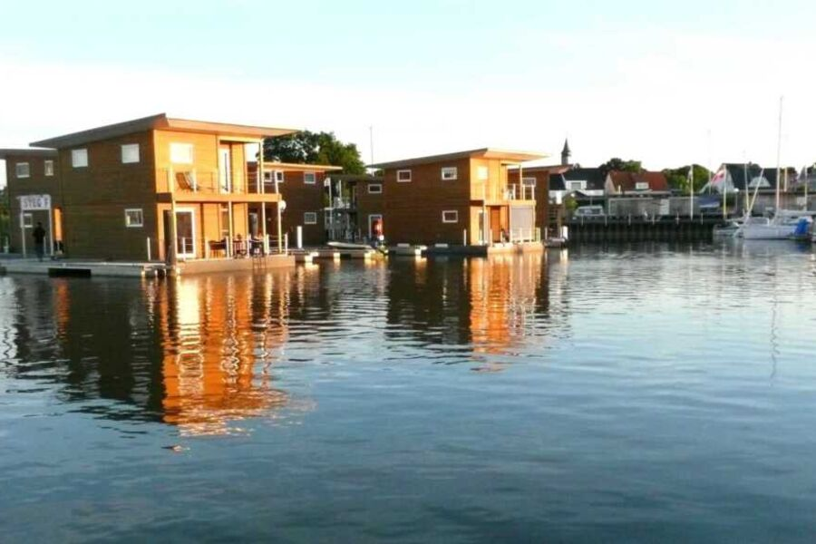 FLOATING HOUSES Classic - Kröslin - bis zu 6 Pers.