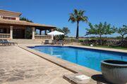 Ansicht Villa vom Pool aus