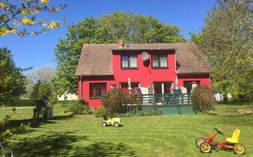 Gutspark Schwarbe mit Reiterhof - Ferienhaus 1, Ferienwohnung 'Schwan' (EG)