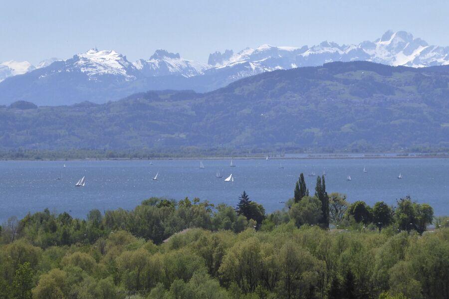 Blick Richtung Bregenz mit See und Berge
