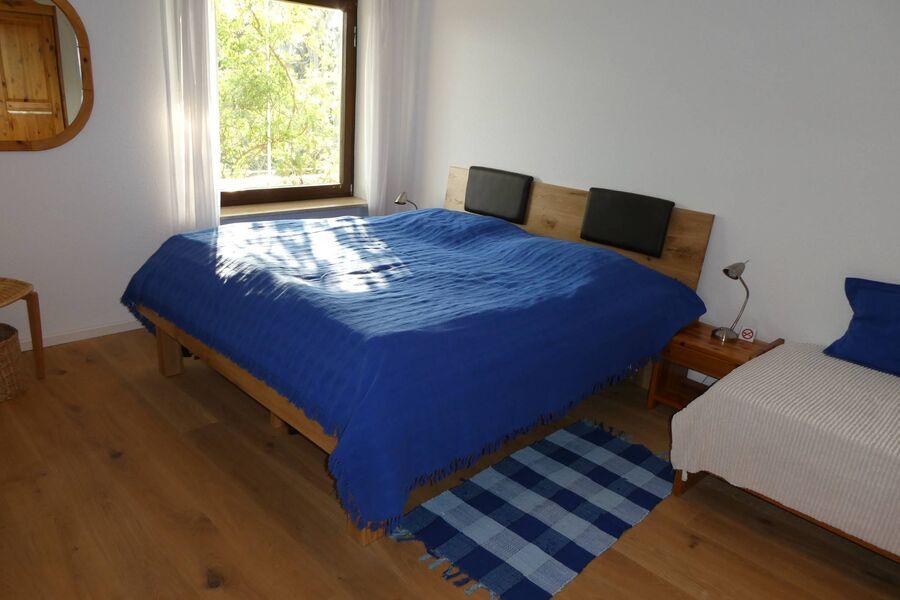 Schlafzimmer, ruhig gelegen zum Garten