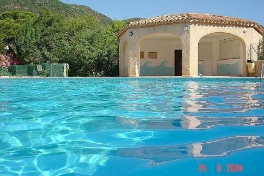 Großer Pool in beliebter Residenz