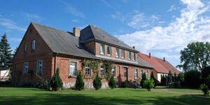 Ferienwohnungen im Gutshaus Gnies, 03 Ferienwohnung Rügen mit Kamin in Gnies - kleines Detailbild