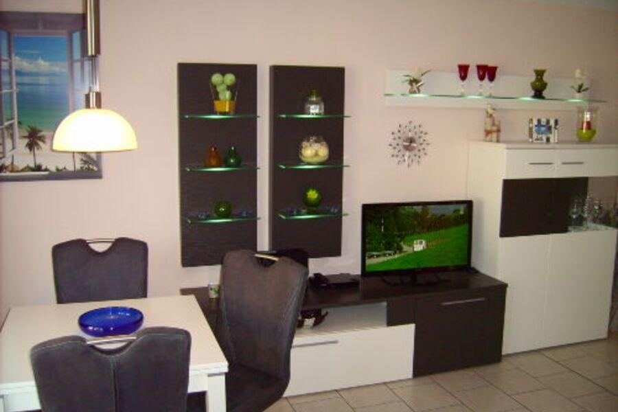 Wohnzimmer mit moderner Wohnwand