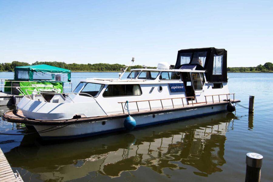 Außenansicht Hausboot
