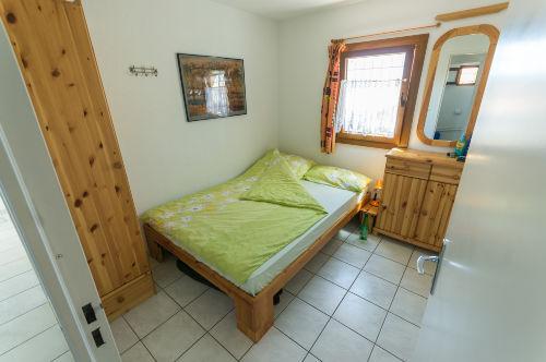 Schlafzimmer 2 mit Bett 1,40 m x 2,00 m