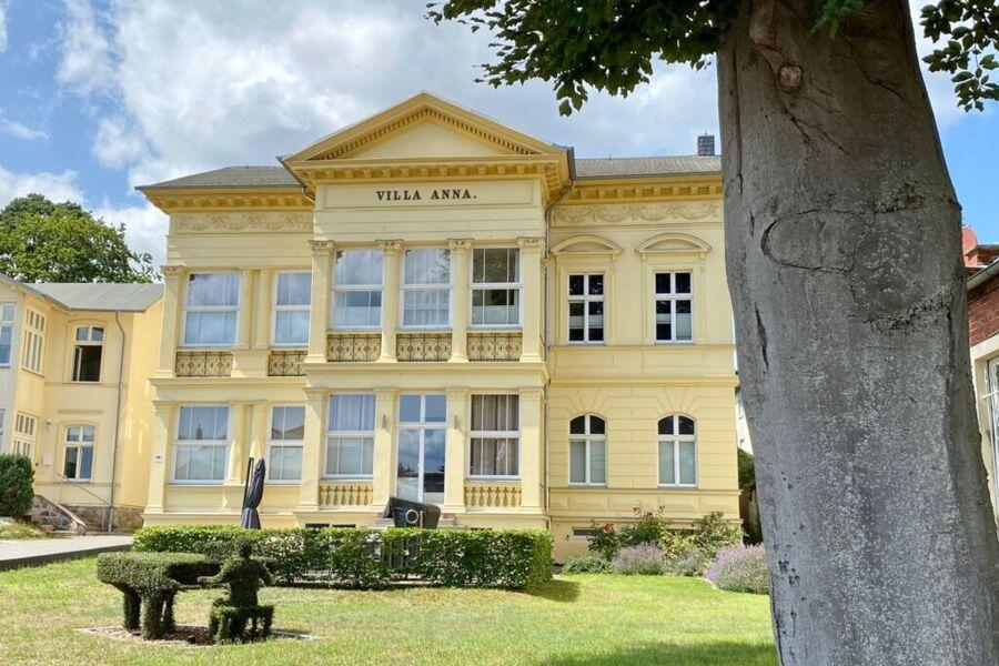 Villa Anna mit neuer Fassadenfarbe