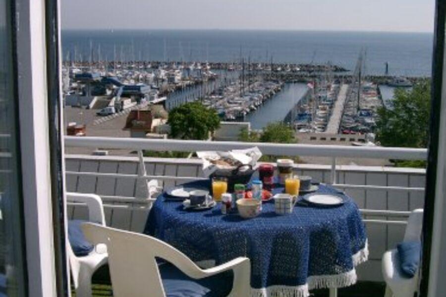 Yachthafen Schilksee vor dem Haus