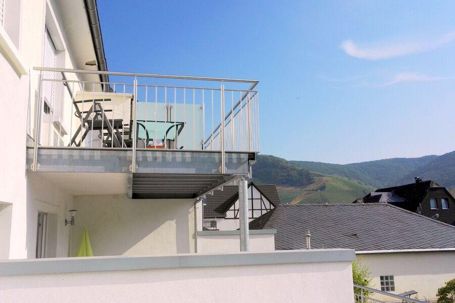 Balkon mit Mosetal-/Burgblick