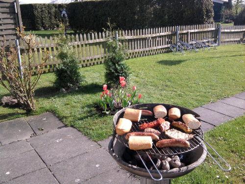 Gemütliches Grillen im Garten