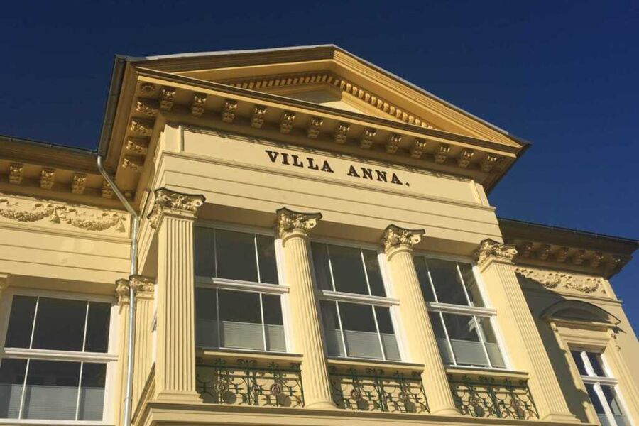 Haupthaus Villa Anna mit neuer Farbe