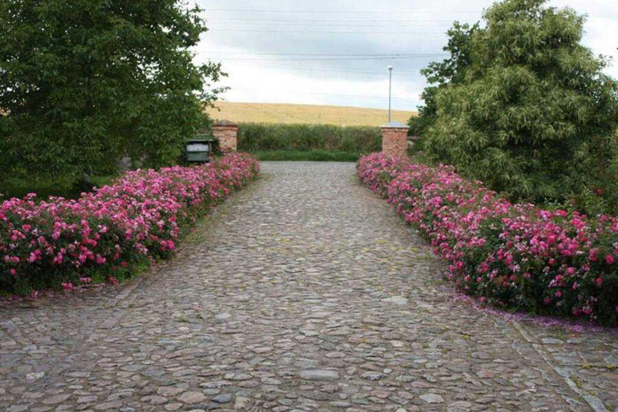 Eingang zum Gelände