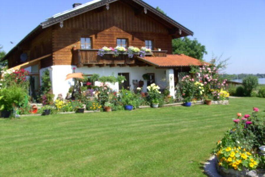 Bauernhaus direkt am See